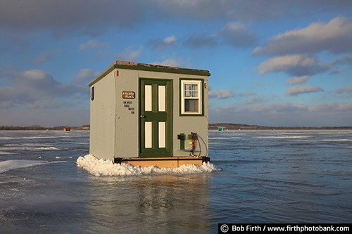 Ice fishing house house plan 2017 for Lake waconia fishing report