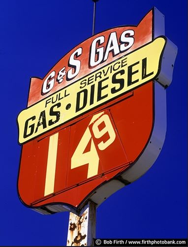 G n S Gas Sign